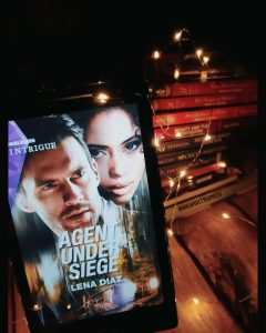 REVIEW & EXCERPT!!! Agent Under Siege by Lena Diaz